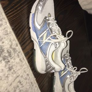 NEW BALANCE, SIZE 11, WORN ONCE, ACHIEVE, SNEAKERS
